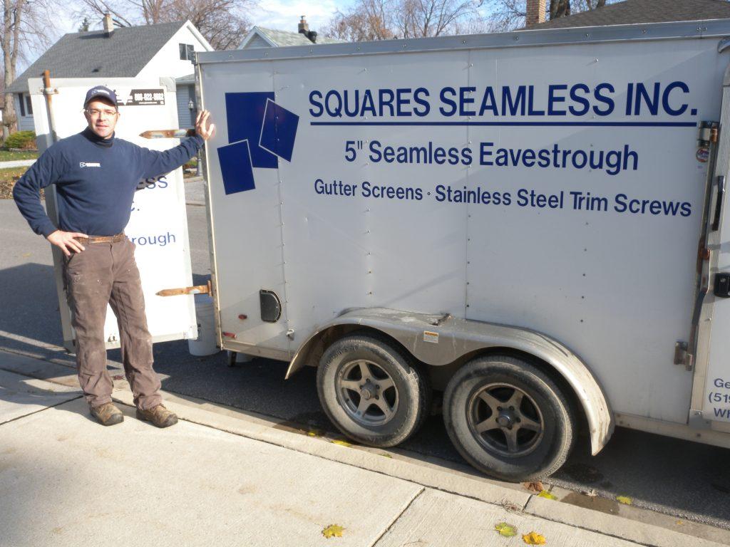 "Squares Seamless 5"" Eavestrough"